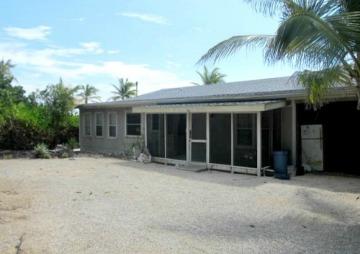 SOUTH SIDE BEACH HOUSE - CAYMAN BRAC